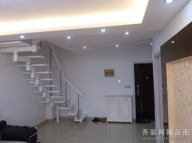 130平米复式户型现代简约家装装修图片设计-滨海齐装