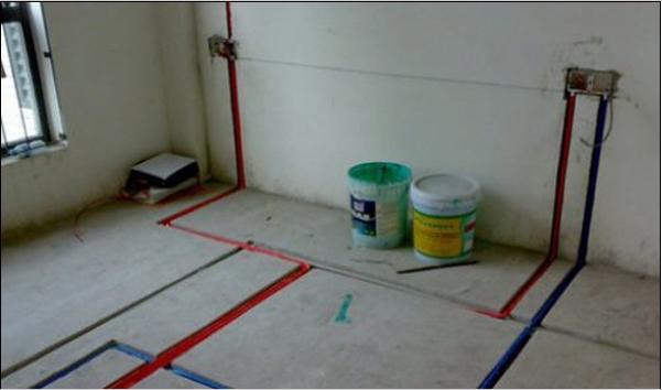装修水管走线要根据厨房,卫生间实际使用情况,合理确定各用水点如阀门