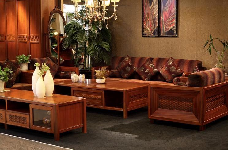 双虎实业旗下拥有板式,实板式,实木,金属,沙发,软体等多个系列家具,其
