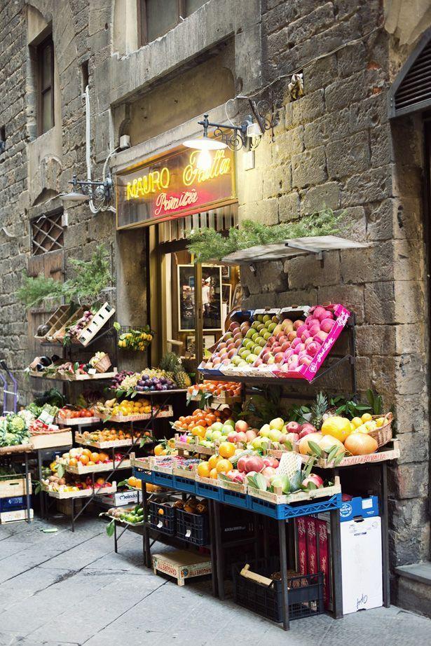 6款异域情怀的小型水果店装修效果图 简直美呆了