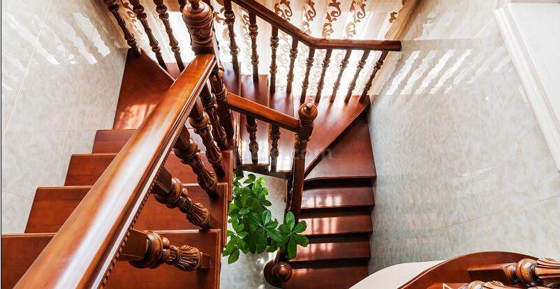 室内楼梯设计尺寸及需要注意的问题
