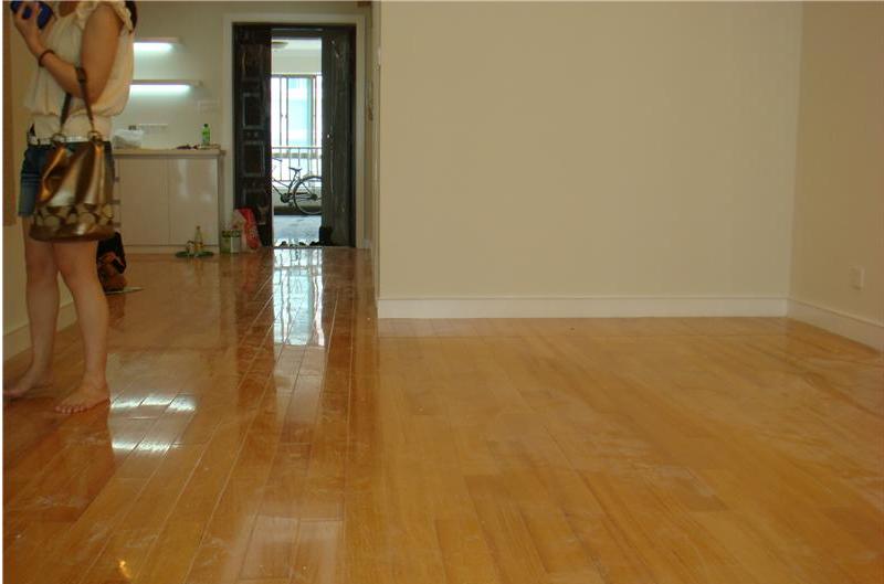 铺贴地板 又有何良好的姿势
