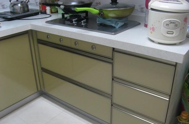 一种新型的橱柜材料——晶钢门板