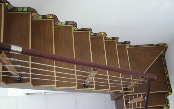 楼梯踢脚线安装技巧知多少