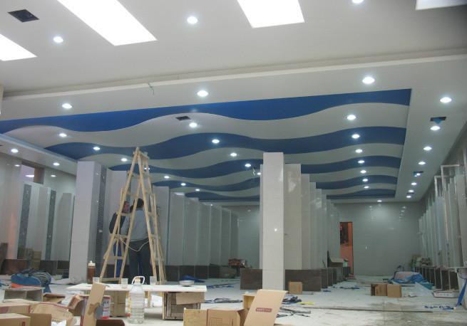 软膜天花板安装
