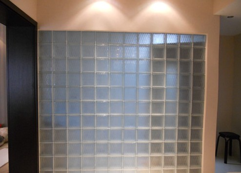 用玻璃砖装修的隔断