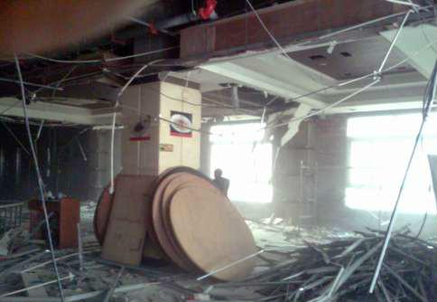 二手房吊顶拆除施工现场